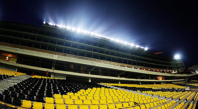 """imagen de Las luces del Estadio """"Campeón del Siglo"""", a pleno"""