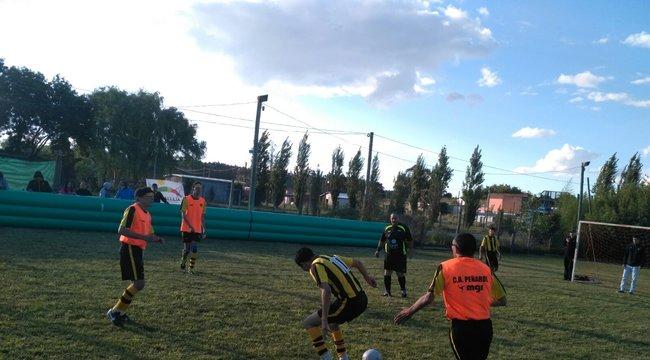 imagen de La Peña de Minas, junto al equipo de Peñarol de Fútbol para ciegos.