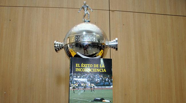 """imagen de Peñarol presentó el libro """"El éxito de la inconsciencia"""""""