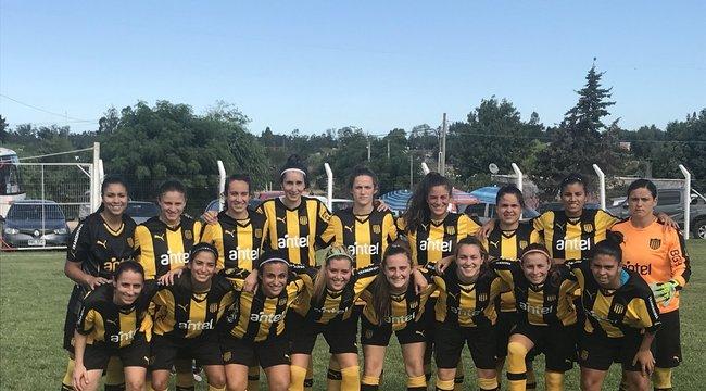 imagen de Fútbol Femenino | Peñarol debutó con una gran victoria