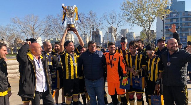 imagen de ¡Peñarol ganó la Copa Río de la Plata!