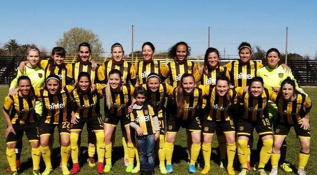 imagen de Femenino | Peñarol, a paso demoledor en el Clausura