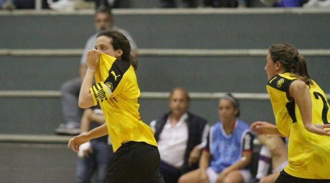 imagen de ¡Triunfo Clásico en Fútbol Sala Femenino!
