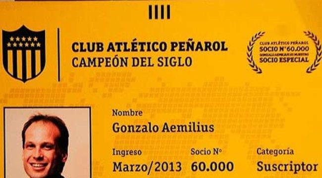 imagen de Una distinción especial para el socio 60.000 de Peñarol