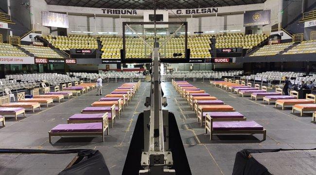 imagen de El Palacio Peñarol abre sus puertas a los más necesitados.
