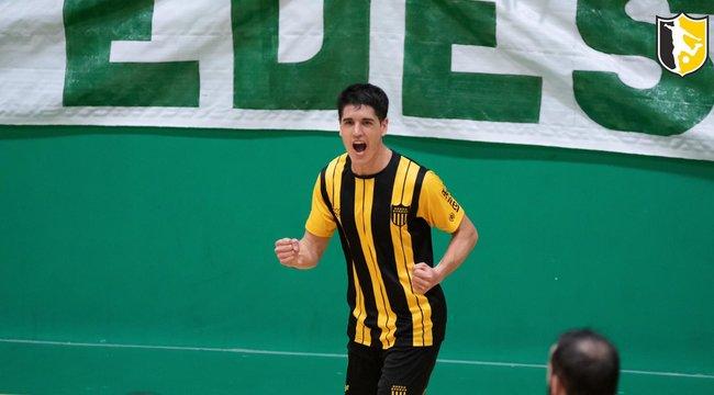 imagen de Peñarol lidera con puntaje ideal en Futsal