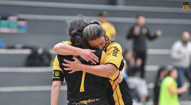imagen de ¡Peñarol a la final de Fútbol Sala Femenino!