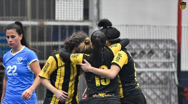 imagen de ¡Sumate al equipo Femenino de Fútbol Sala de Peñarol!