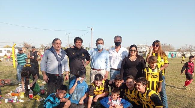 imagen de Donación al equipo de Baby Fútbol de Peñarol de Paysandú