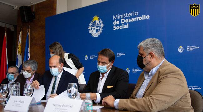 imagen de Peñarol y el Ministerio de Desarrollo Social firmaron un acuerdo para acceso a actividades